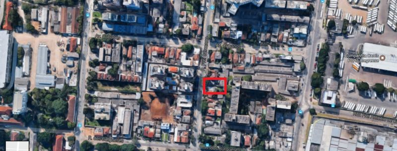 Terreno com 300m (10m x 30m) próximo à PUC, em bairro com infraestrutura completa. Ótima opção para comercio.