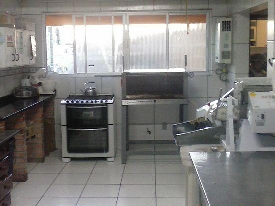APTO 3 dormitórios em OTIMO estado de conservação,      armários em 2,   suite,   living c/ 2 ambientes,   churrasqueira no imóvel,   lavabo,   1 banheiro social,    copa/cozinha,    wc auxiliar,    água quente,    terraço,    esquadrias em ALUMÍNIO   - 2 vagas de garagem  - Escriturado   - Imediações: Zaffari Ipiranga  - construção em: 78  - 109 m2 de área privativa   - 143 m2  de área total   - Usado em OTIMO estado de conservação, fachada em cerâm./pintura,  c/ gás central, Apartamento impecável com 3 d, 1 suite, sala para dois ambientes, cozinha, grande área de lazer  coberta,com churrasqueira e terraço.