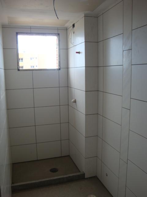 PRONTO PARA MORAR, NONO, APTO 1 dormitório em OTIMO estado de conservação,       suite, Espera p/ closet,    living c/ 2 ambientes,   churrasqueira no living,   lavabo,   1 banheiro social,    cozinha,   área serviço com espera para máquina, água quente,    espera p/ar parede,    esquadrias em ALUMÍNIO   - 1 vaga de garagem  - Imediações: ESCOLA DOM BOSCO  - construção em: 2013  - 51 m2 de área privativa   - 95 m2  de área total   - Em Construção em OTIMO estado de conservação,  Controle Remoto,   fachada em past/textura,  c/ gás central,  Jardim,  Gradil,  TV à cabo,   - 5 aptos por andar Excelente e diferenciado apto 1 dorm c/ suíte , espera para closet, lavabo, churrasqueira, espera para ar Split no dormitório e living 2 ambientes, lateral, norte, uma vaga de garagem escriturada, mais de 51m² privativos, próximo á Assis Brasil Colégio Dom Bosco e Cristóvão  Colombo. PREÇO PROMOCIONAL PARA PAGAMENTO Á VISTA. GANHE BRINDE VIDROBOX DO BANHEIRO E AQUECEDOR DE 20 LT..