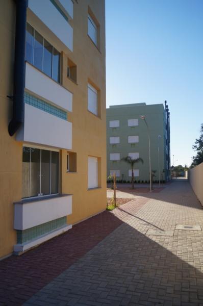 Apartamento 03 dormitórios, Bairro Ipanema em Porto Alegre. Pronto para morar. 66m² com churrasqueira. Cliente ganha da construtora COZINHA PLANEJADA + PISO LAMINADO. Promoção válida somente para o empreendimento CAMPO VERDE para contratos firmados no mês de setembro/2015. Laminado Eucafloor linha Prime, cor a definir, nos dormitórios e circulação. Área social com Cerâmica Angel Gres Piemonte White 43x43. Cozinha Planejada Porto Móveis. Conforme projeto específico da Carta de Crédito de número 200. Não incluí eletrodomésticos e tampo de granito